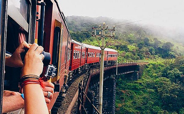 Explore Sri Lanka by railway