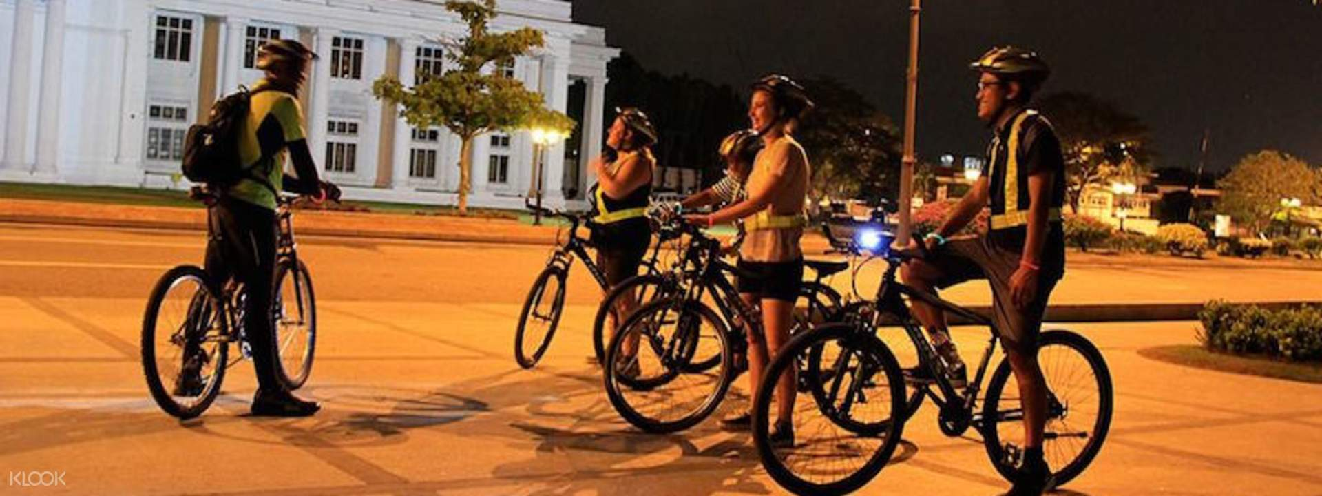 Night Cycling in Colombo